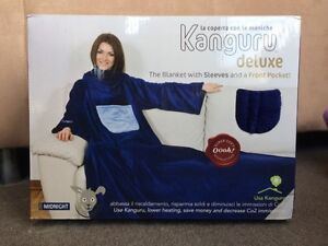 Kanguru Loft Deluxe Blanket with Sleeves and Pocket Soft Cozy Southbank Melbourne City Preview