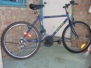 26''bike CCM GEMINI 18 SPEED for a tall person tuned up