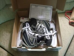 Size 4 Hockey Skates Like New