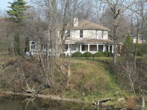 Stately historical waterfront property for rent in Georgina