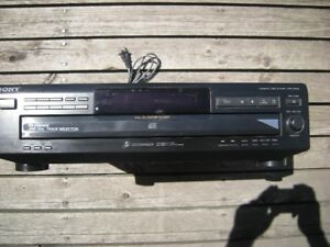 FOR SALE: SONY 5 CD DISC CHANGER PLAYER