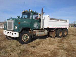 1977 Mack RL612LST T/A Gravel Truck