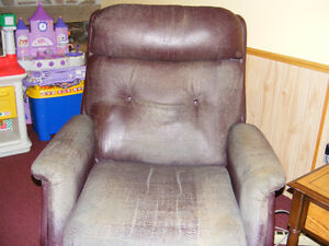 Recliner with massager Kawartha Lakes Peterborough Area image 1