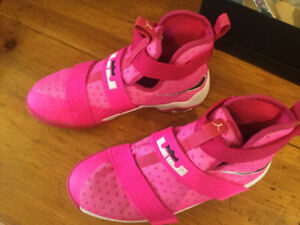 Girls basketball shoes - Lebron James Soldier 10