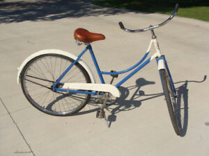 For sale: A vintage women's cruiser bicycle with 28 inch wheels