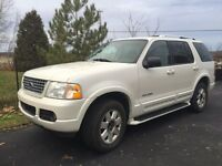 Ford Explorer 2004 édition Limited Blanc 4x4