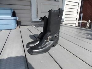 new sz 6.5 leather Milwaukee boots