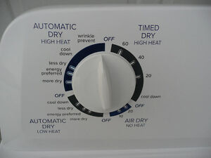 "LESS THAN 1 YEAR OLD  ""LIKE NEW""   (DRYER) Cambridge Kitchener Area image 4"