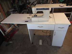 KENMORE SEWING MACHINE/MACHINE A COUDRE KENMORE