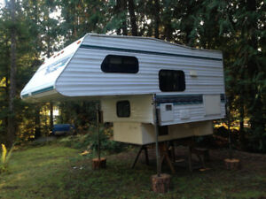 8 foot vanguard camper