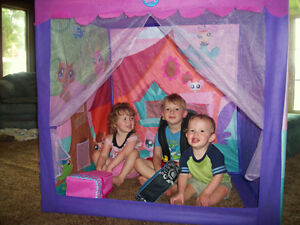 Nearly New- Large LPS Indoor/Outdoor Play Tent