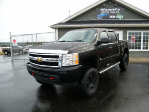 2011 Chev. Silverado 4x4 114,000 km, LIFTED AND INSPECTED