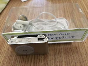 FOR SALE:  MP 3 Player w/clip and Earphones(Osgoode villiage)