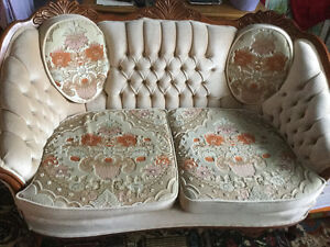 Pretty love seat and chair in excellent condition, no smoking no