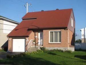 La belle maison à louer $1800 par mois