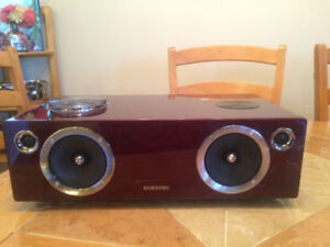 Speaker samsung dae750 in perfect condition. 350$ negciable