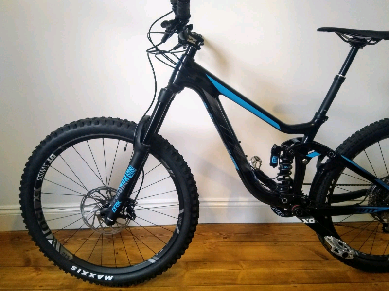 052710a70cd Giant Reign Advanced 0 2018 Carbon Full Suspension Mountain Bike ...