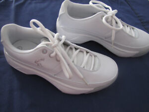 Shaq white sneakers size 7