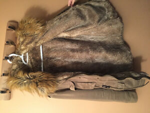 Women's Warm Winter Jacket with Faux Fur lining only Year old! Windsor Region Ontario image 3