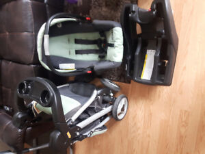 Graco click connect stroller with carseat and base