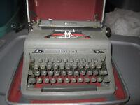 Old ROYAL typwriter