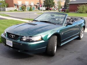 2002 Ford Mustang Convertible very low kms, excellent condition