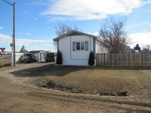 Mobile Home on a Rented Lot For Sale in Taber Ab.