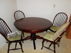 Dinning table, chairs and table leaf