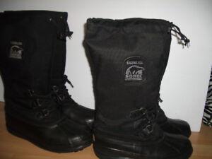 """near  n e w  """" SOREL """" bottes d'hiver ----- size 10 ou 11 US"""