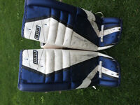 Simmons 33+1, adult goalie pads