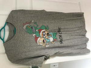 Size Large men's brand name T shirts incl Volcom,all rarely worn
