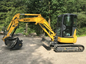 Kobelco Excavator with Cab, A/C, Heat and Thumb