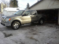 2010 Ford F-150 XLT Pickup Truck 4x4 with Supercrew Cab