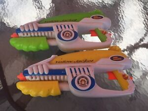 2 WATER GUNS!!  $5 for both!! (Delete when sold) London Ontario image 1