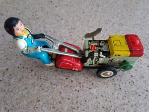 Japanese Tin Toy (early 1970's)