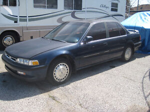 91 HONDA ACCORD AS IS FOR PARTS OR DRIVE