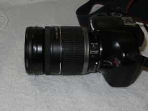 Canon EF-S 18-200mm Lens With Stabilizer