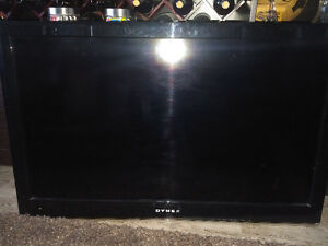DYNEX TV With Wall Mount