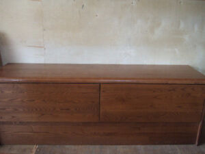 TV STAND WITH 2 BIG DRAWER'S $20