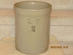 Medalta 2 Gallon Crock