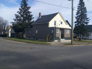 Great 3 Bedroom House For Sale in Welland BROADWAY Avenue