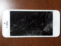 iPhone 5 white.cracked screen