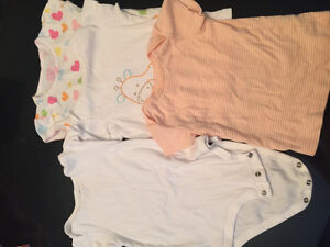 Baby cotton tops and one piece West Island Greater Montréal image 1