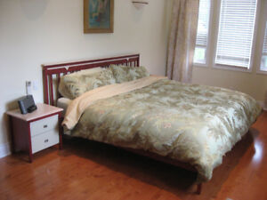 King 6-piece Bedroom Set - Stained Oak/Maple - $750