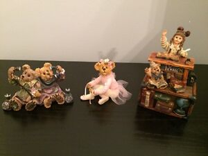Popular Collectible Figurines - Perfect Condition. London Ontario image 2