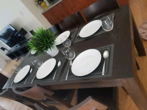 Dining table and 6 chairs | Meubles furniture