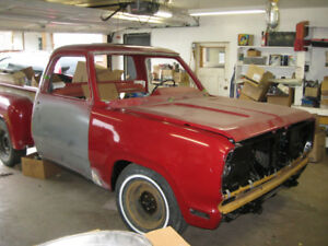 1979 Dodge D100 Red Express (Clone project) with 440