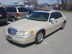 Lincoln Town Car *** FULLY LOADED CARTIER EDITION *** CERT $5995
