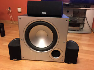 Polk Audio 3 Speakers, Sub, Harman Kardon Receiver AVR 147