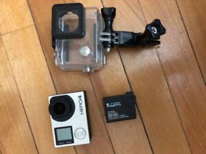 GOPRO HERO 4 Silver with 2 batteries, dualcharger, cable & case